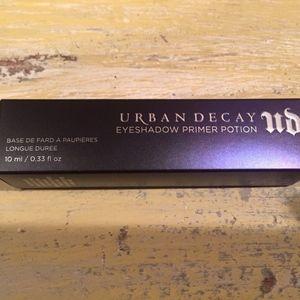NIB Urban Decay Eyeshadow Primer Potion in Eden